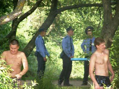 Что делает милиция на нудистском пляже в Минске