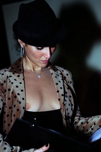Тина Канделаки обнажила грудь