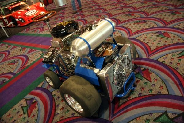 Табуретка с мотором