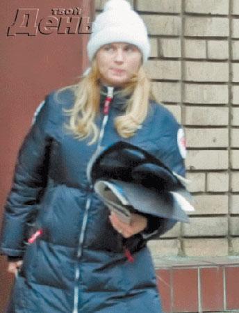 У Анны Семенович искусственная грудь