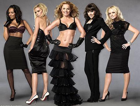Spice Girls устроили откровенную фотосессию
