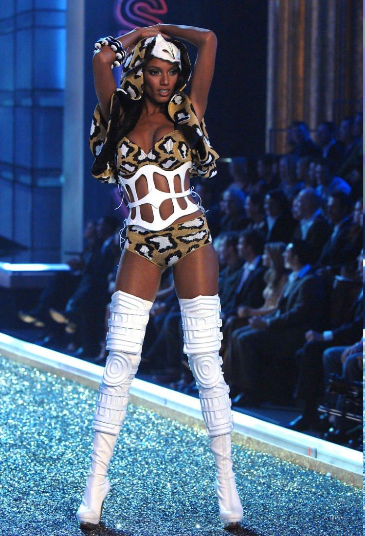 Victorias Secret Fashion Show 2007