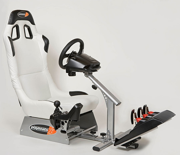 "Logitech ""Play Seat Evolution"""