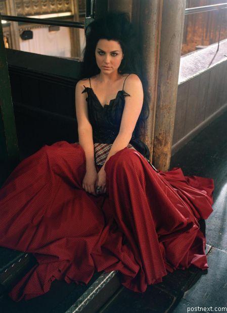 Эми Ли (Amy Lee) - солистка группы Evanescence