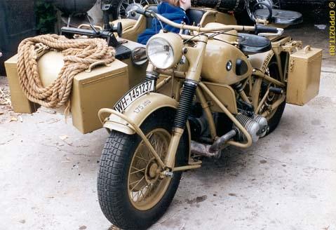 Мотоцикл BMW R-75 с коляской