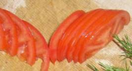 "Украшаем блюда ""Розочка из помидора"""