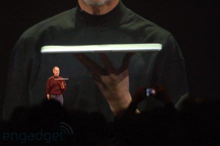 Macbook Air — самый тонкий ноутбук в мире