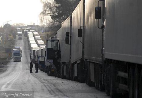 Приграничная «пробка» наносит миллионный ущерб белорусской экономике