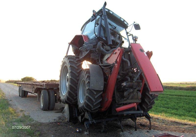 Забавнавя авария с трактором
