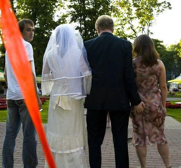 именитыми актерами, забрала домой бракованное платье перемешивания хлопьев