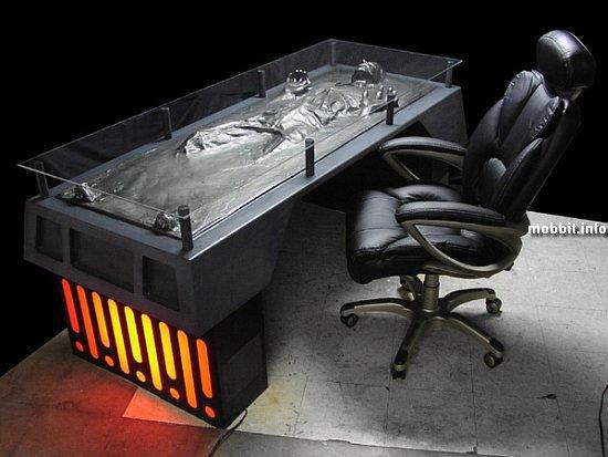 Дизайнерский стол с замороженным в карбоните Хэном Соло
