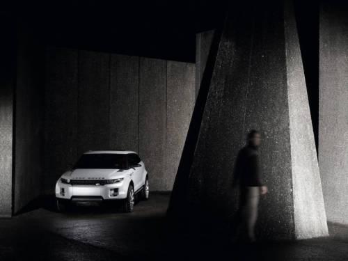 В Детройте показали новый Land Rover LRX