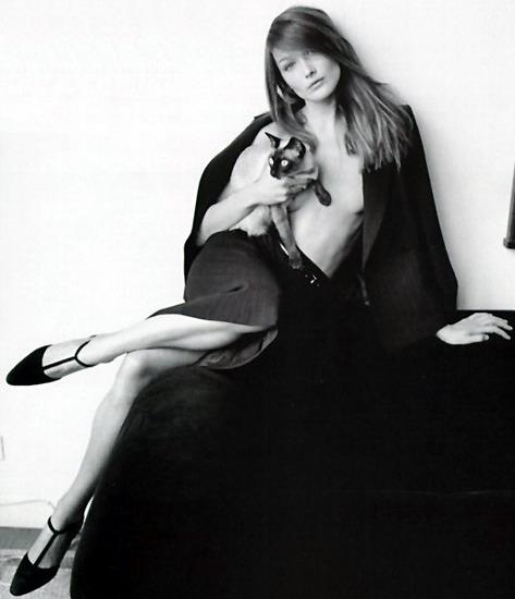 Карла Бруни, модель, певица, жена президента Франции