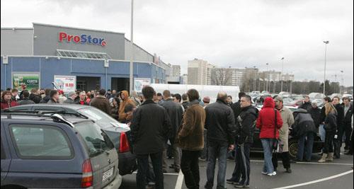 Автомобилисты провели акцию протеста против «живых щитов» (Фото)