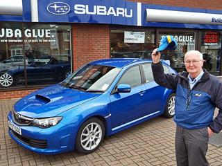 Британский дедушка гоняет на «заряженной» Subaru Impreza