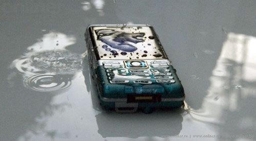 Sony Ericsson C702 выдержал испытание в азиатских джунглях
