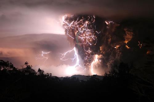 2в1: Гроза и извержение вулкана