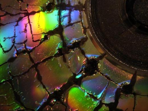 Что происходит с дисками в микроволновке