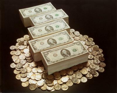 Мужчина по ошибке получал зарплату в течение пяти лет, ничего не делая. Набежало почти пол миллиона долларов.
