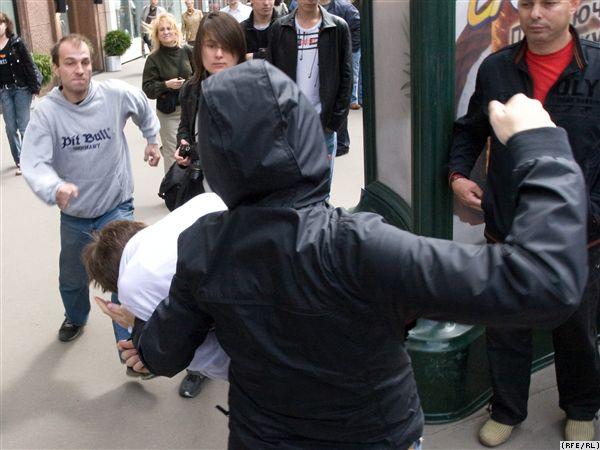 Похоже что в России не бывать гей-парадам. 1335. Последний раз