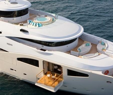 Король рэпа P.Diddy сдает в аренду свою новую яхту