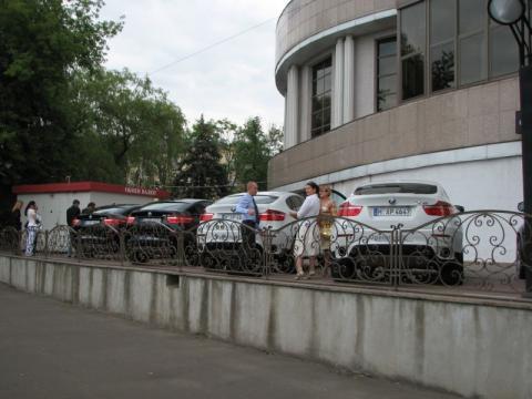 BMW X6 в центре Минска