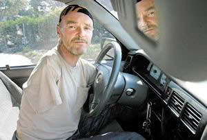 Майкл Вили – отчаянный водитель без рук