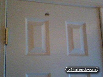 Nintendo Wii травмирует и портит имущество!!!