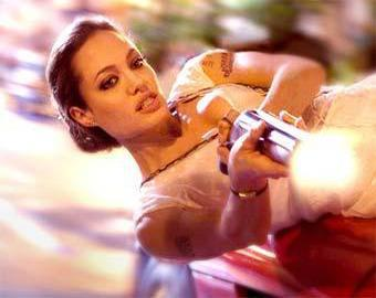 Джоли рассказала, почему снялась в «Особо опасен»
