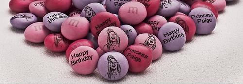 M&M наносит лица покупателей на свои конфеты