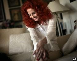 80-летняя стриптизерша не намерена покидать сцену