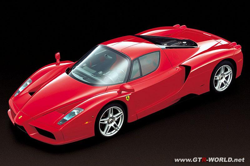 Nissan SkyLine GT-R �����ﳢ � �������� ������ �����-���� ����������.