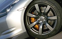 ���������� �������� Nissan GT-R