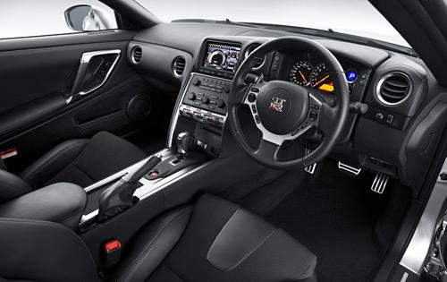 Легендарны аўтамабіль Nissan GT-R