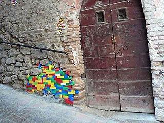В Италии при помощи конструктора Lego решили восстанавливать древние стены