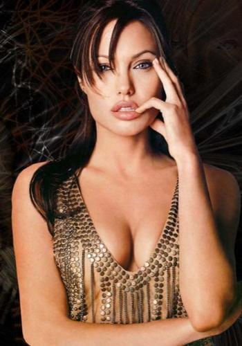 Анджелина Джоли сыграет женщину-кошку в следующем фильме о Бэтмене