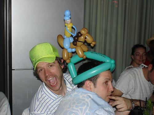 """Конкурс шляп на знаменитых скачках """"Кентукки-дерби"""""""