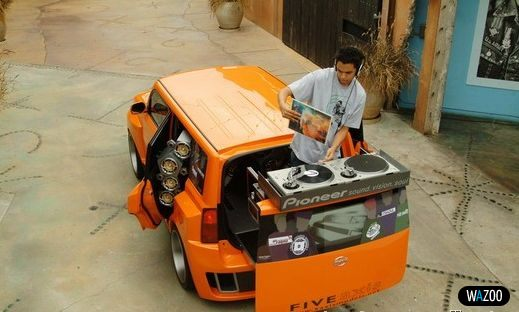 Машина для диджея