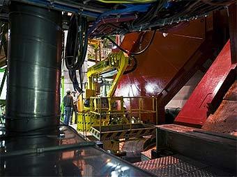 Названна дата запуска Большого адронного коллайдера