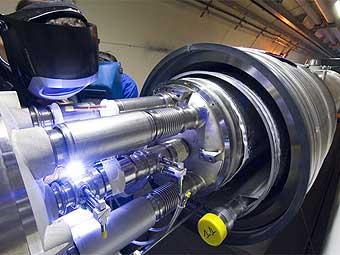Большой адронный коллайдер успешно прошел синхронизационные испытания