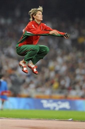 Белоруска победила в метании молота с олимпийским рекордом