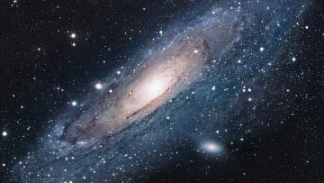 Компьютер помог ученым понять, как у черных дыр рождаются звезды
