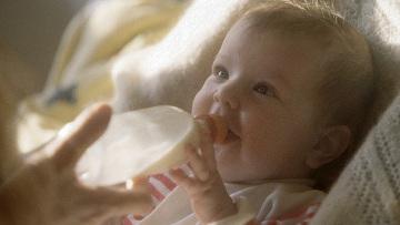 """Ученые выяснили, что младенцы могут """"читать по лицам"""" уже в 4 месяца"""