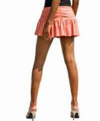 Короткие юбки и резиновые спойлеры — новая программа Red Bull по сокращению затрат