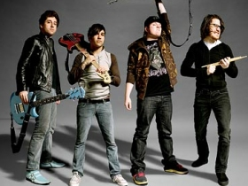Fall Out Boy анонсировали дату релиза новой пластинки