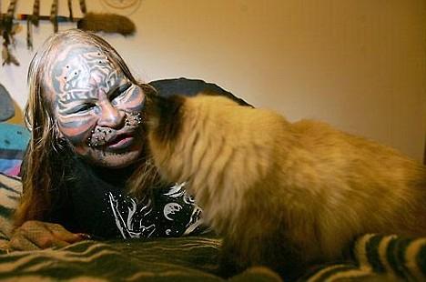 Индеец изуродовал себя пластикой, чтобы стать тигром