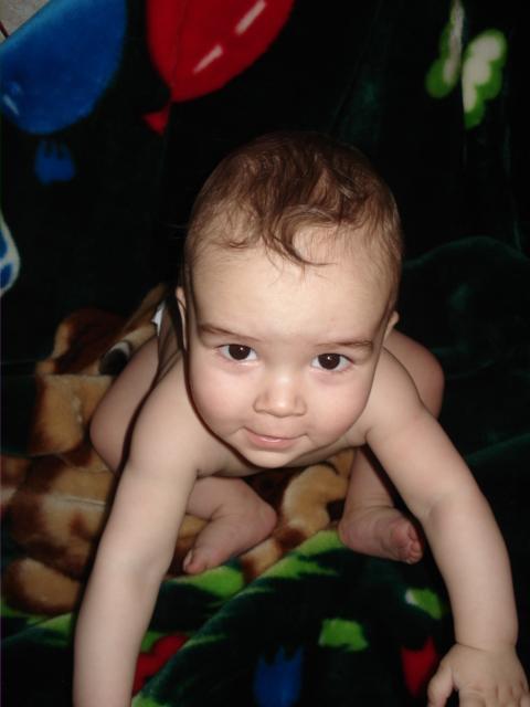 Очаровательный малыш)