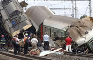 Под Лос-Анджелесом лоб в лоб столкнулись два поезда