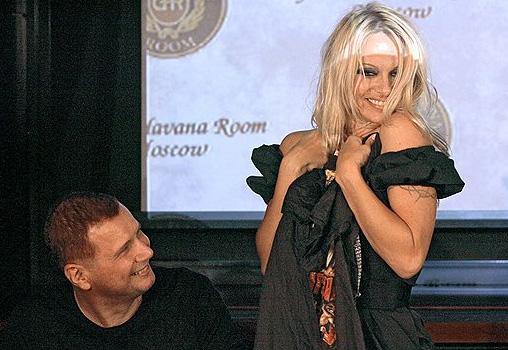 Памелу Андерсон в Москве лечили водкой