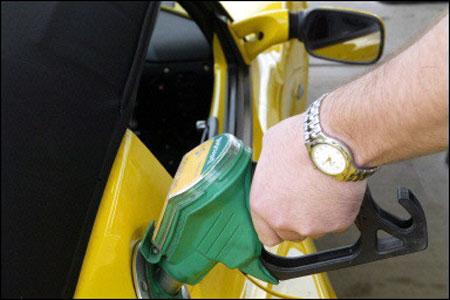 В России вступил в силу запрет на продажу 92-го бензина